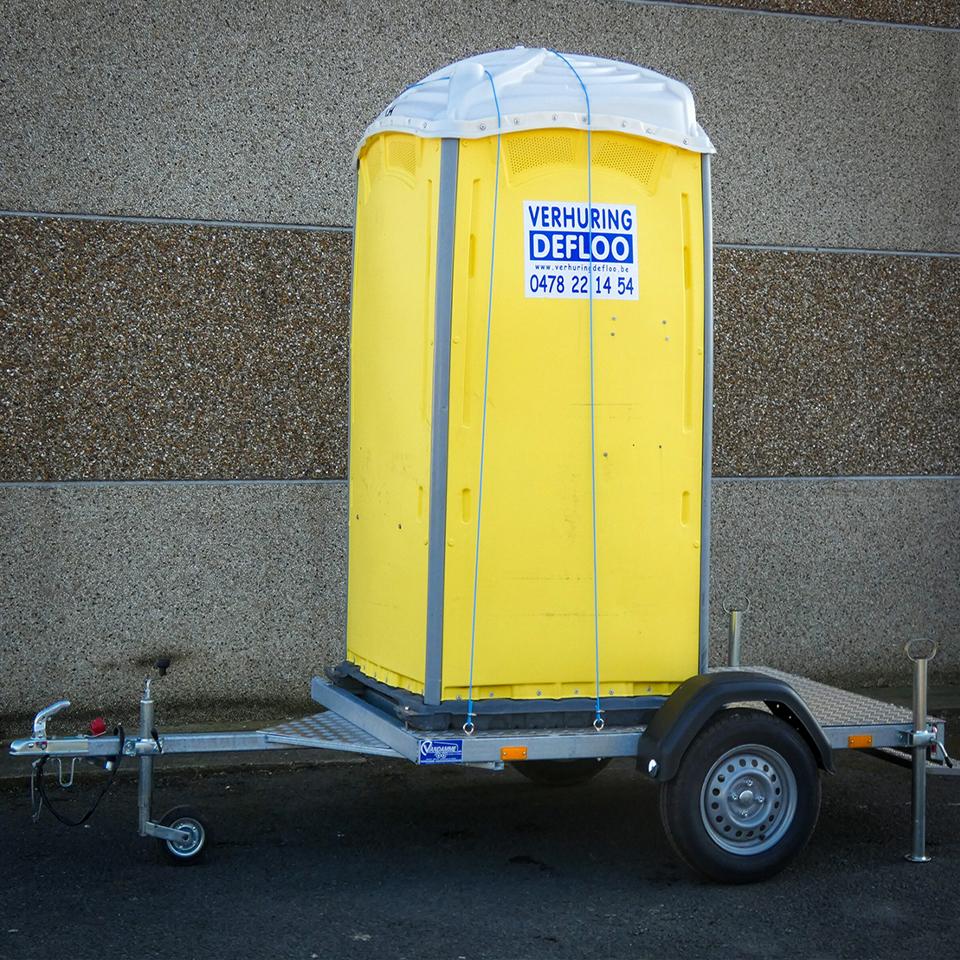 Toiletcabine op aanhangwagen